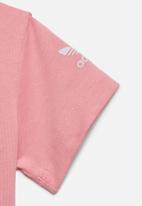 adidas Originals - 3D trefoil tee - light pink