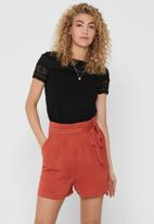 ONLY - Marjorie short sleeve mix top - black