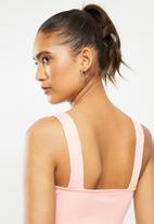 Blake - Ribbed square neck crop top - pink