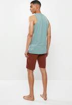 Superbalist - Premium cotton slub vest & knit shorts sleep set - blue & burgundy