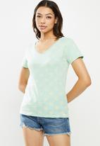 Lizzy - Shukri basic v-neck short sleeve tee - blue & yellow