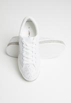 Sissy Boy - All over lace sneaker  - white