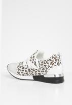 Sissy Boy - Creeper: animal print sneaker  - white