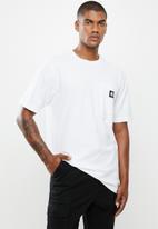 Hurley - Carhartt pocket short sleeve tee - white