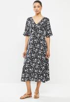 edit - Curved waist midi dress - black & white