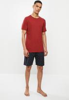 Superbalist - Scoop neck tee & woven shorts sleep set - multi