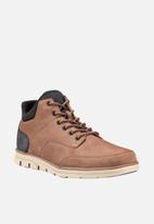 Timberland - Bradstreet chukka with molded heel - light brown