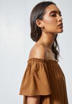 Superbalist - Mini off the shoulder dress -tobacco