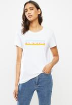 Levi's® - The perfect tee box tab gradient fill - white