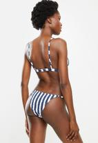 Cotton On - Fixed triangle/tanga brazilian bikini set - marina blue stripe shirred