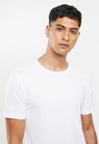Superbalist - Scoop neck short sleeve sleep tee - white
