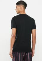 Superbalist - Scoop neck short sleeve sleep tee - black