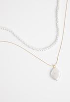 Superbalist - Marissa layered necklace - gold & white