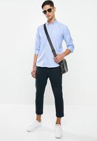 Ben Sherman - Jacquard ls shirt - mid blue