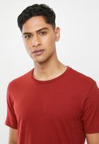 Superbalist - 2 pack scoop neck short sleeve sleep tee - white & red dahlia