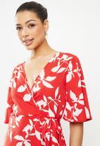 Revenge - Flare sleeve floral wrap midi - red & white