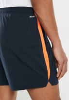 New Balance  - Accelerate 5-inch short - dynomite