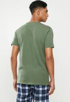 Superbalist - Scoop neck short sleeve sleep tee - green