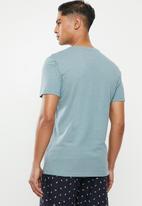 Superbalist - Scoop neck short sleeve sleep tee - blue