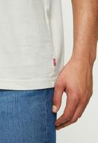 Levi's® - Short sleeve relaxed fit tee - grey