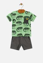 UP Baby - T-shirt & twill bermuda shorts - green
