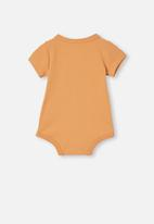 Cotton On - The short sleeve bubbysuit - apricot sun