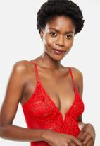Missguided - Lace mesh panelled v bar bodysuit - red