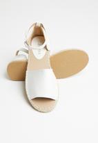 Jada - Espadrille sandal - white