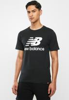 New Balance  - New Balance essentials stacked logo tee - black