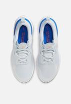Nike - Nike react miler - cw1777-008 - pure platinum/bright crimson-racer blu