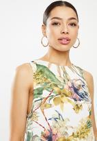 Glamorous - Tie back sleeveless shift dress - multi