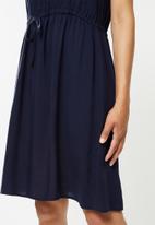 edit - Flutter sleeve short fit & flare - navy