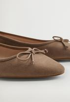 MANGO - Pepa pump - brown