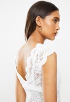 ONLY - Alba short sleeve v-neck top - white