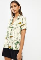 ONLY - Elvina short sleeve button through - yellow