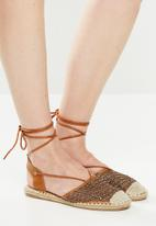 Butterfly Feet - Roxanne espadrille - brown