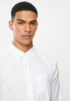 Jonathan D - Slim fit casual l/s linen shirt - white