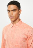 Jonathan D - Slim fit casual l/s linen shirt - salmon