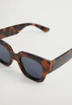 MANGO - Sunglasses jandri  - brown
