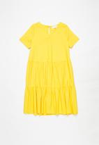 Superbalist - Girls tiered cotton dress - yellow