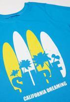 POP CANDY - Curved hem surf tee - blue