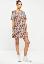 Glamorous - Geo print T-shirt dress - multi