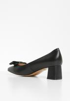 POLO - Scarlett block heel court - black