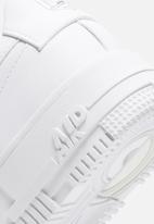 Nike - Air Force 1 pixel  - white / white-black-sail