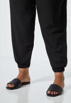 Superbalist - Crepe cuffed jogger - black