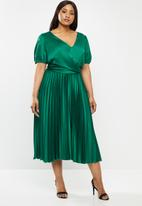 MILLA - Pleated wrap midi dress - emerald