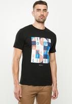 Ben Sherman - Squares slogan tee - black