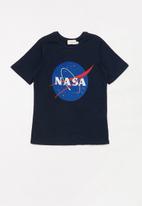 Superbalist - Teen boys nasa printed logo tee - navy