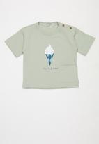 Sticky Fudge - Relaxed ice cream tee - green
