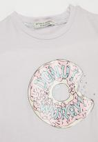 Sticky Fudge - Donut worry tee - lilac